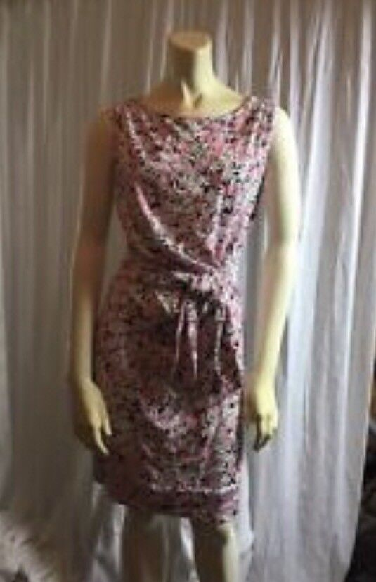 NWT DVF New New New Della Faux Wrap Dress In Garden Daisy Pink. Size 6 7fdc5a