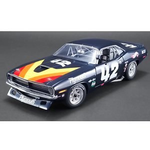 ACME – 1 18 Scale – 1970 Plymouth Barracuda Swede Savage Diecast Replica