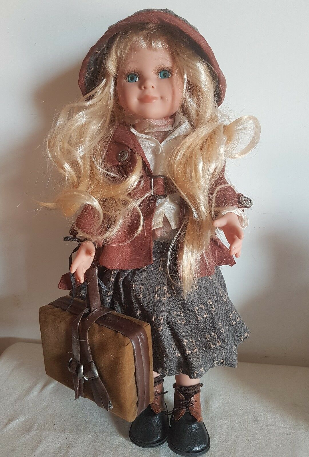 ELISA TEOREMA Bambola vintage anni 70 Porcellana anni 70 con accessori no Furga