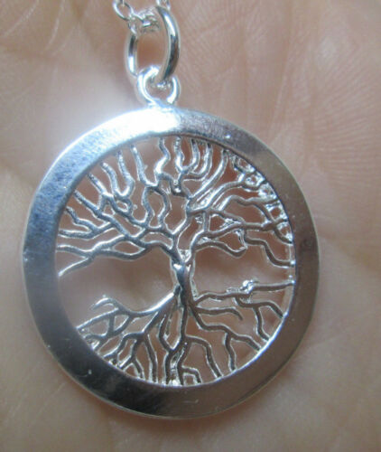 """Sterling Silver Family Tree in a Circle Pendant on 18/"""" Chain"""