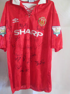 Match-Worn-Manchester-United-Mike-Phelan-1993-94-Signed-Football-Shirt-with-COA