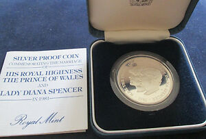 1981-Royal-Mint-Silver-Proof-Crown-Coin-Charles-amp-Diana-Wedding-Crown-BOXCOA-Cc1