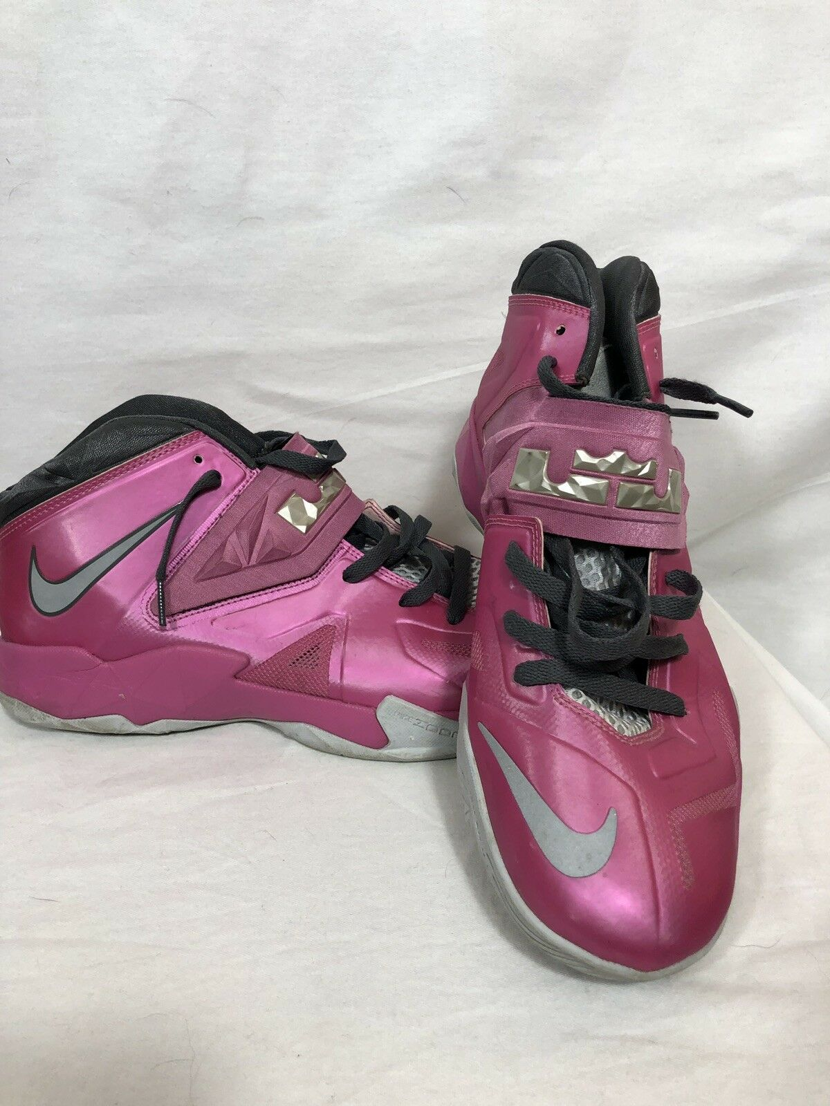a6a63e3cb682 Nike Zoom Lebron James Breast Cancer Awareness Pink Basketball shoes shoes  shoes Mens 11.5 15b031