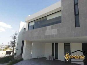 Casa de lujo en venta en Lomas de Angelópolis OPC-0106