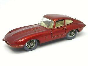 Matchbox-Lesney-No-32b-Jaguar-E-Tipo-mas-raro-Gris-ruedas-de-plastico