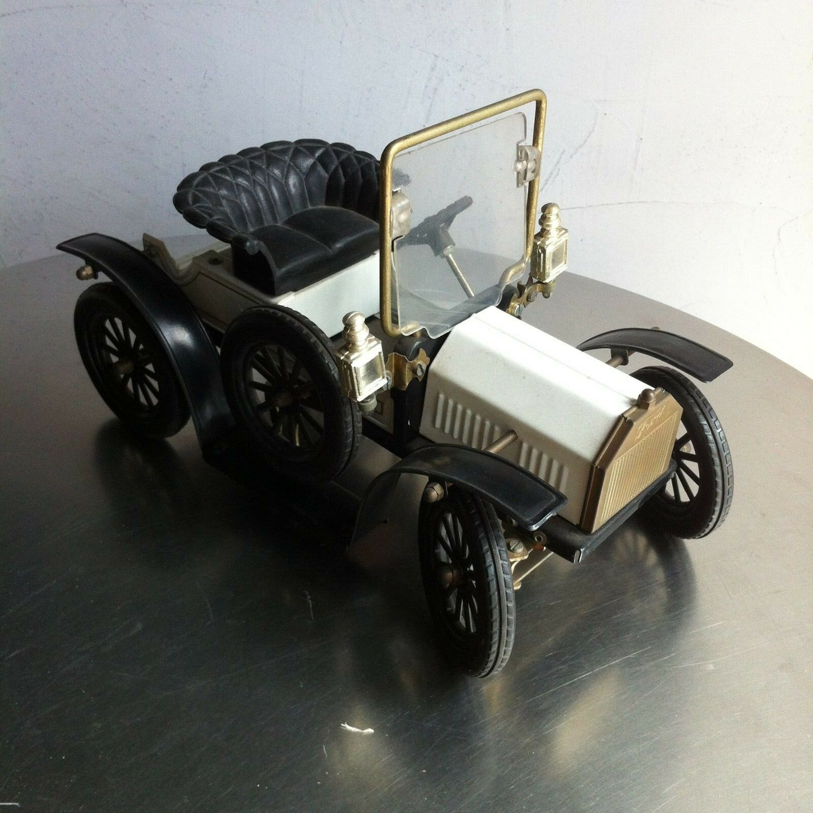 Old Timer Ford T Limited Edition made in tin toy car - auto in latta