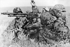 WWII B&W Photo German Soldiers MG34 Lafette Mount WW2 / 2162