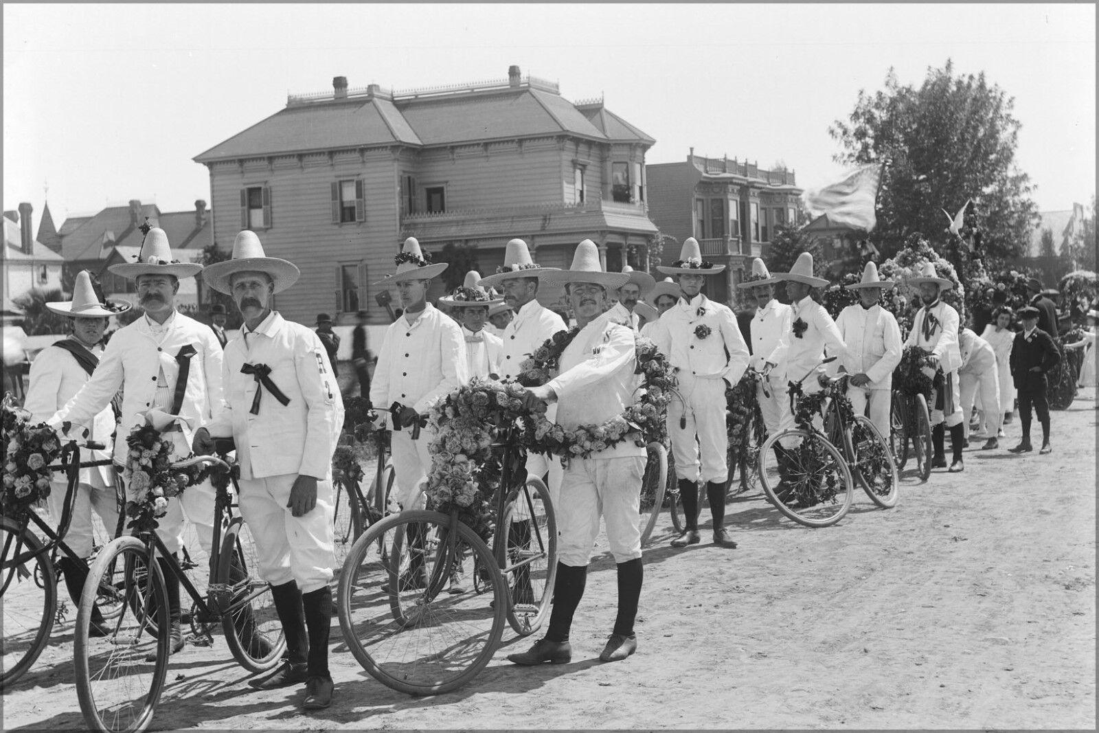 Poster,Molte Misure Misure Misure ; Los Angeles Fiesta Wheelmen in Ciclismo Uniforme,Ca.1910 ( ba02d1