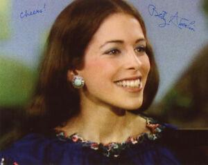 LADY-BETTY-ABERLIN-SIGNED-8x10-PHOTO-MISTER-ROGERS-039-NEIGHBORHOOD-BECKETT-BAS