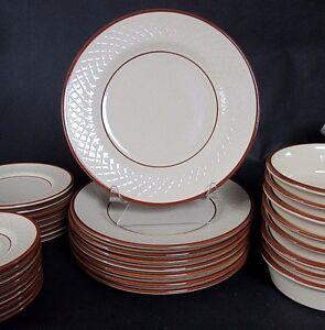 Set-of-4-FRANCISCAN-CHESTNUT-WEAVE-Dinner-Plates-10-1-2-034