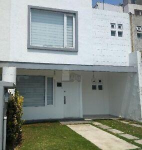 Casa en condominio en renta en El Panteón, Lerma, México