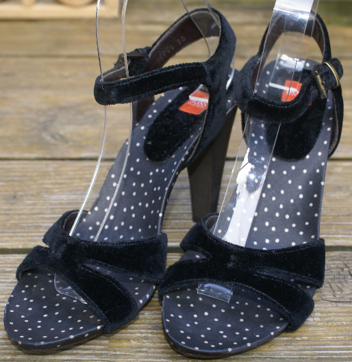 BOSS Orange Sandale Echtleder Samt schwarz Gr. 38   UK 5 wie Neu