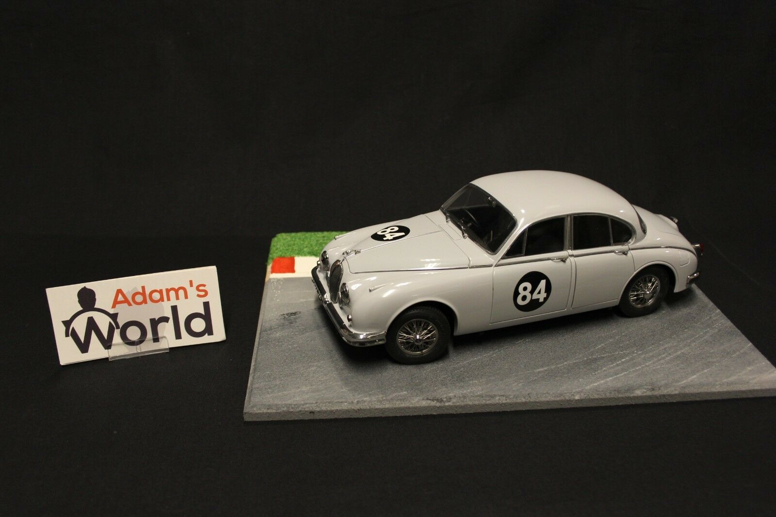 Paragon Model Icons Jaguar Mk ll 1 18 Coombs Equipe