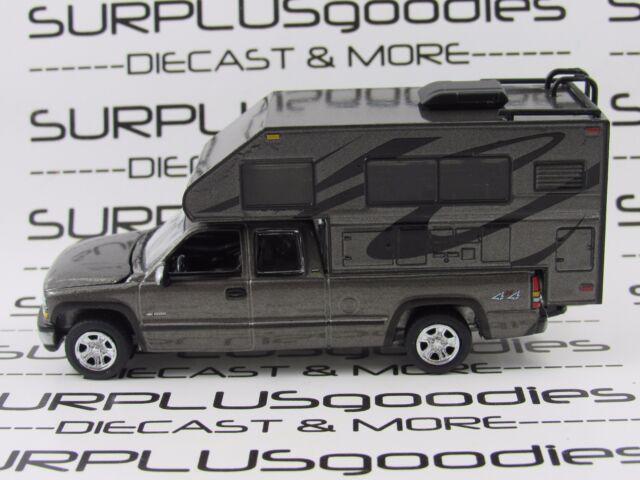 Johnny Lightning 1:64 LOOSE GunMtl 2002 CHEVROLET SILVERADO 1500 Pickup w/Camper