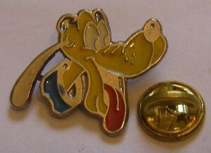 PLUTO-stamped-BERTONI-Disney-vintage-pin-badge