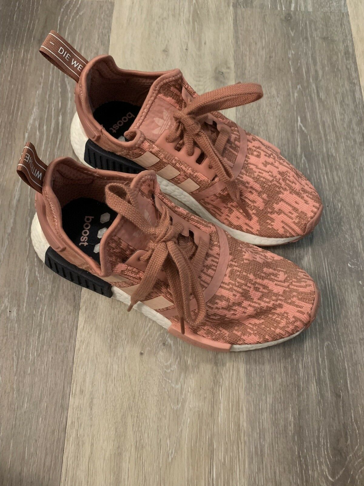 Adidas NMD NMD NMD R1 Pink Primeknit Size 6 41248d