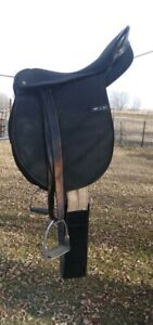 "Euro Synthetic English Saddle 17"" seat plus 2 girths 50"""
