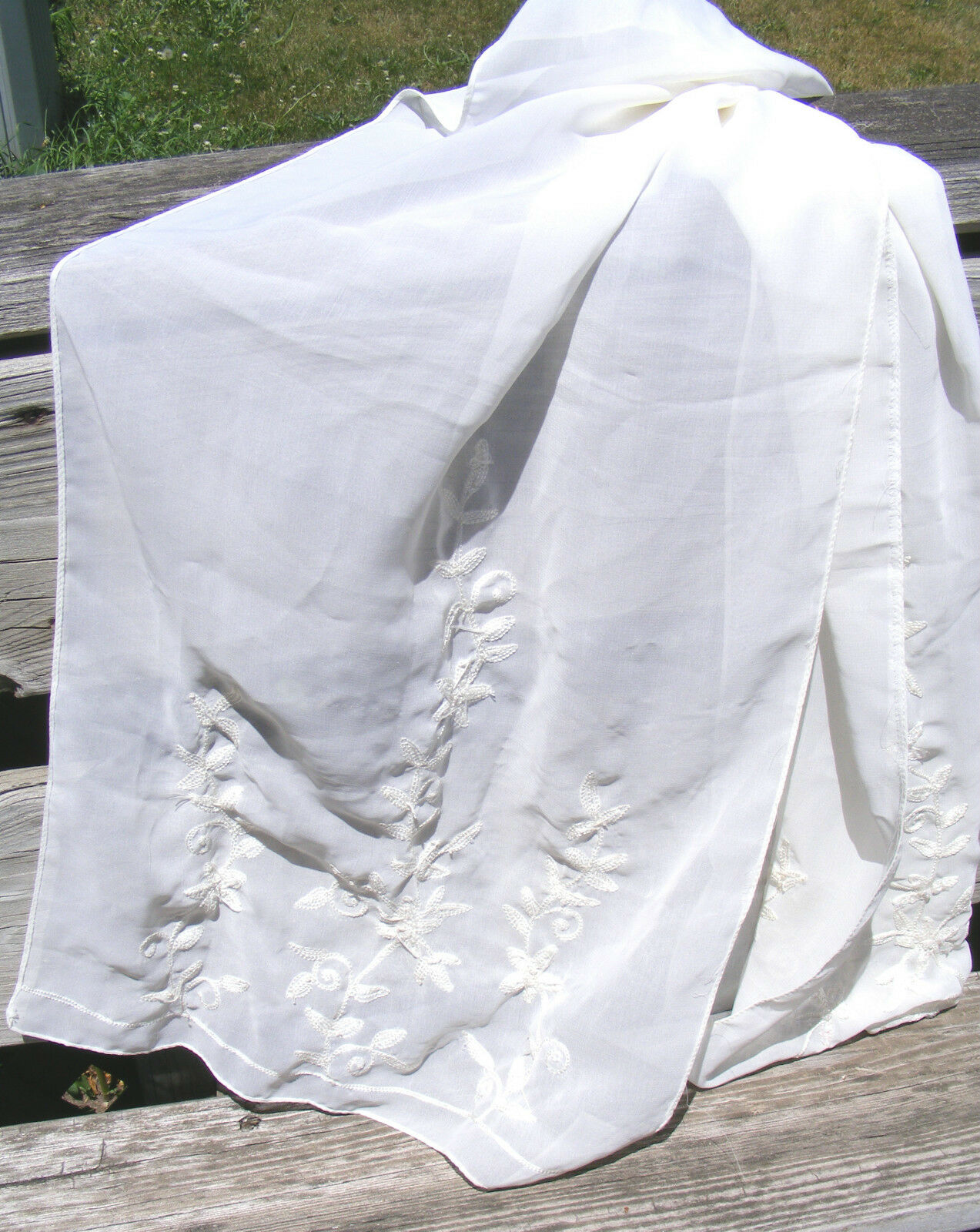 AMAZING EMBROIDERED LONG SHEER SCARF-MADE IN INDIA-OFF WHITE-pre-owned