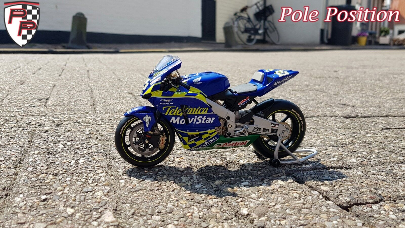 Envíos y devoluciones gratis. 1 12 Honda Honda Honda RC211V Sete Gibernau-Team Telefonica MoviEstrella Honda MotoGP 2004  venderse como panqueques