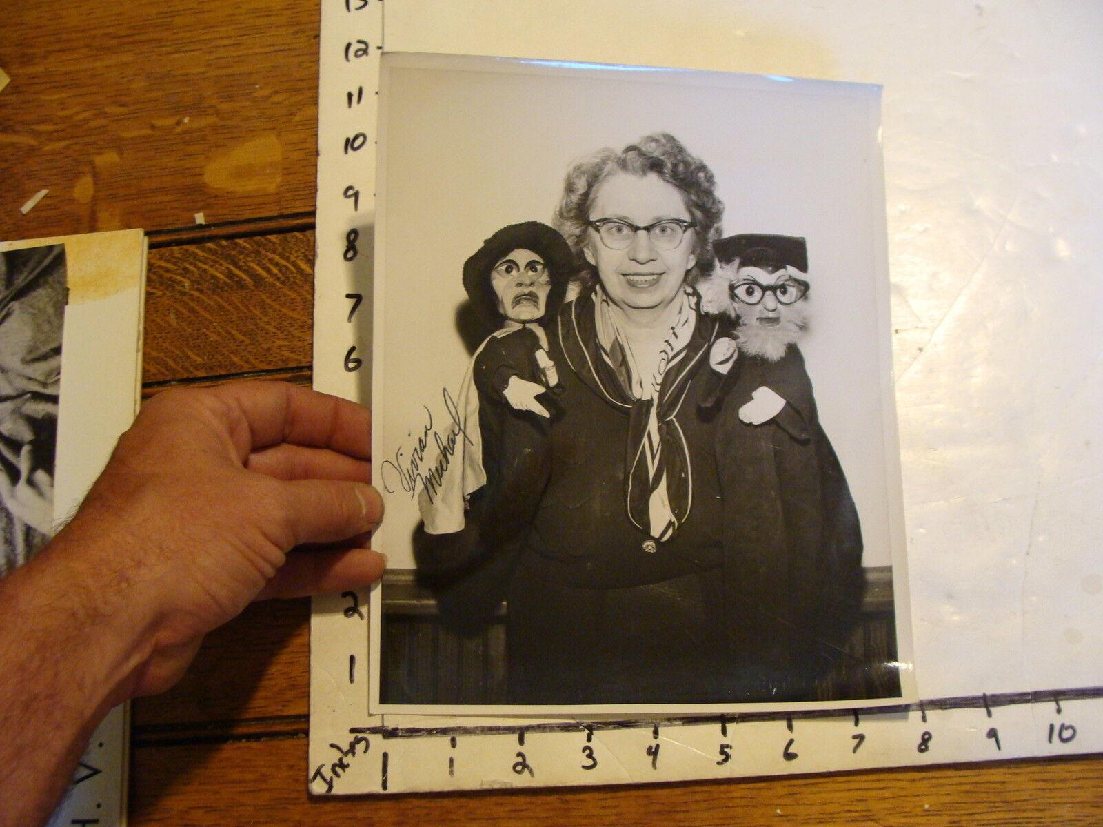 Vintage FAMOUS Puppeteers Marionette Photo: SIGNED---VIVIAN MICHAEL