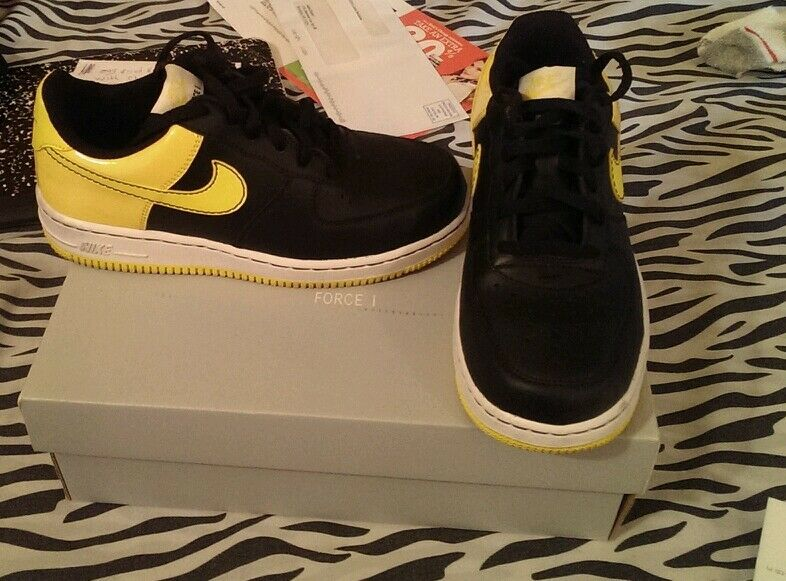 Nike size 3  Cheap and fashionable