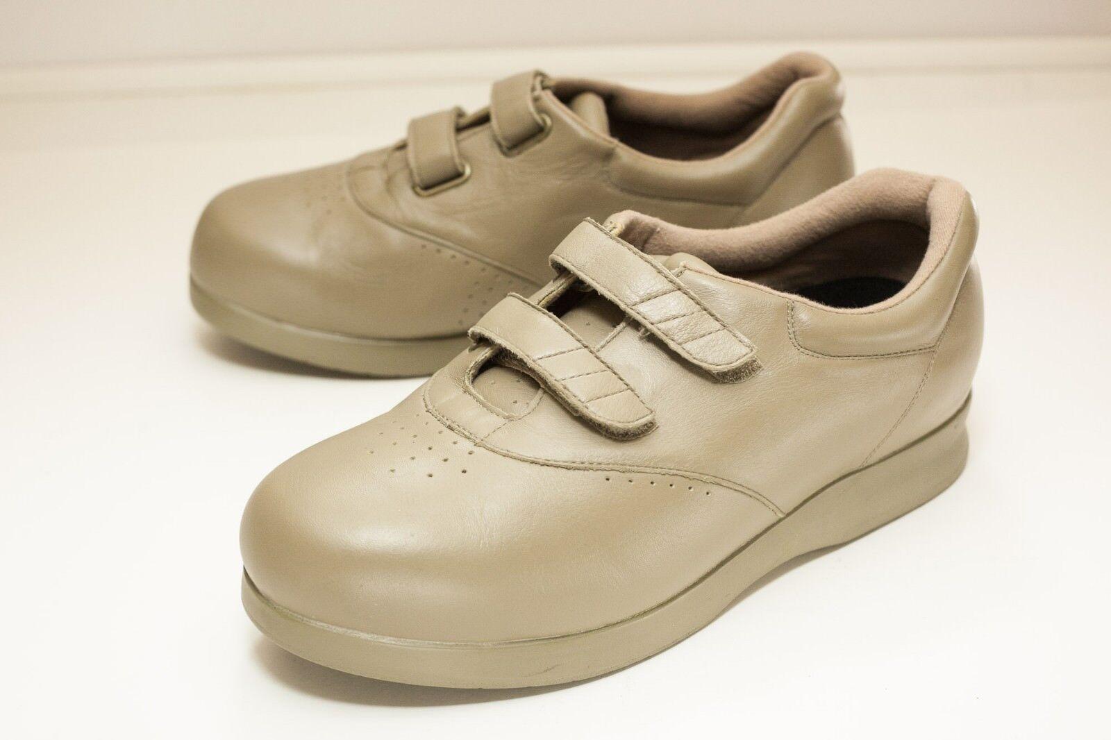 Drew Paradise Size 9WW Taupe Women's shoes