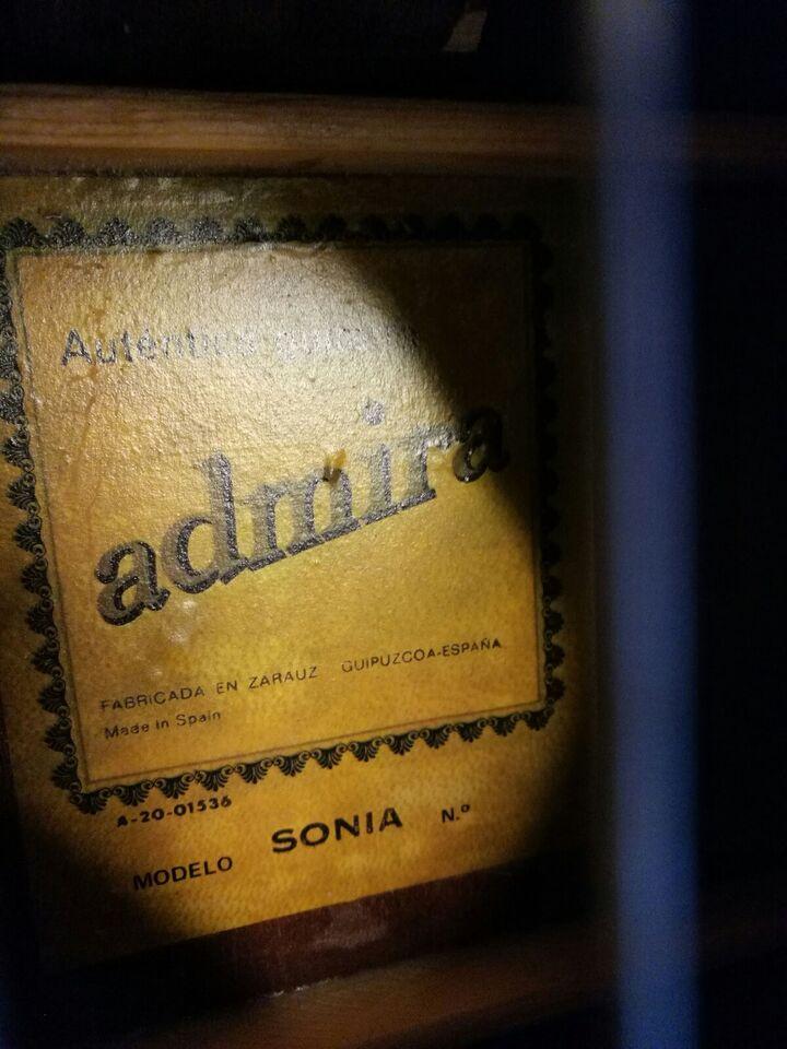 Spansk, Admira Sonia