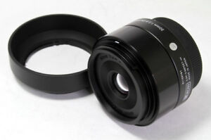 Brand-New-Outlet-Sigma-A-Art-30-mm-f-2-8-DN-Lens-For-Micro-Four-Thirds-Black
