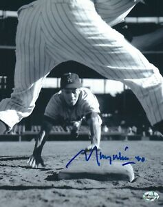 Signed-8x10-MAURY-WILLS-Los-Angeles-Dodgers-Autographed-photo-COA