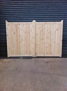DRIVEWAY-GATES-CUSTOM-MADE-TO-YOUR-REQIUREMENTS