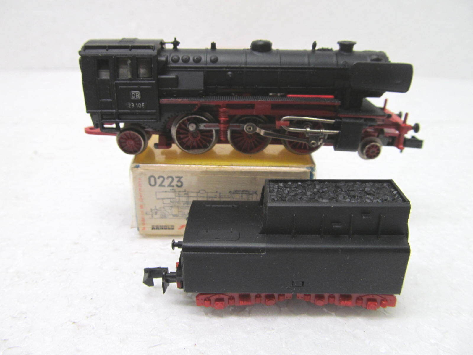 Mes-39077 Arnold 0223 SPN Steam Locomotive DB 23 105 VGC, function tested