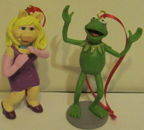 Don/'t Shoot Disney Muppets Ornaments 2pc Set Kermit Hands Up /& Miss Piggy
