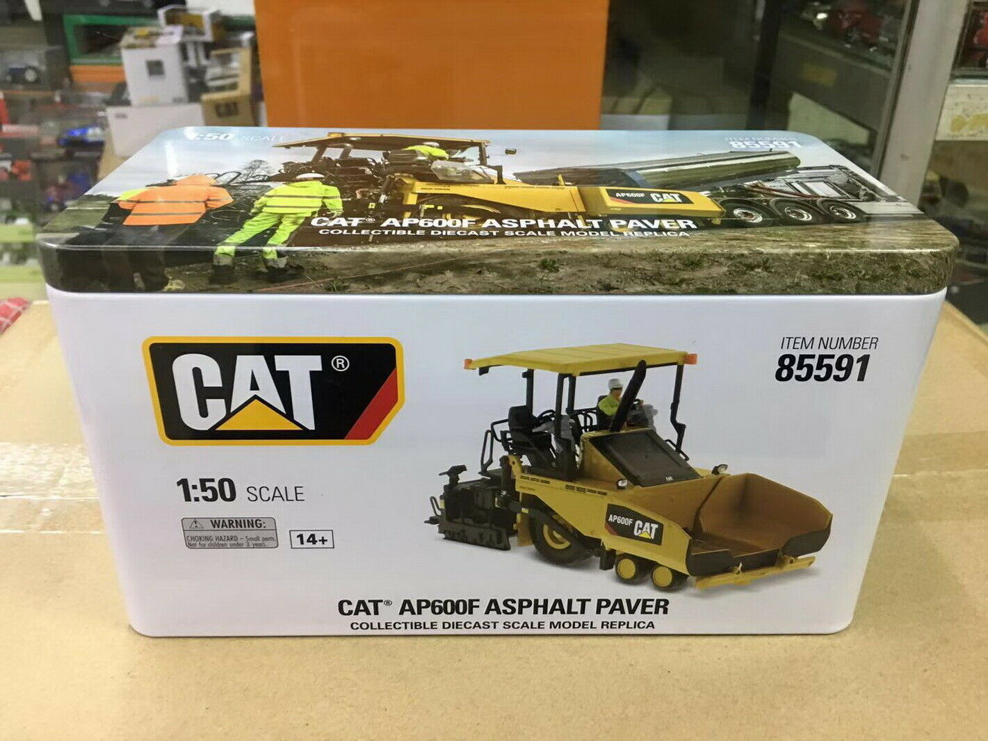 Diecast Masters 1 1 1 50 Caterpillar AP600F Wheeled Asphalt Diecast Models  85591  | Stilvoll und lustig  512eda