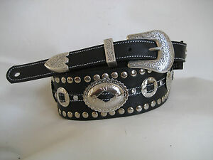 UNIQUE-LEATHER-BLACK-STUDDED-OVAL-CONCHO-GUITAR-BASS-STRAP