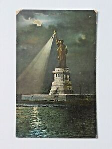 Vintage-Statue-of-Liberty-at-Night-New-York-Standard-View-Postcard-Unposted-7496