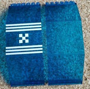 2x-LEGO-2408-Bleu-Espace-Windows-Blacktron-10x6x11-vintage