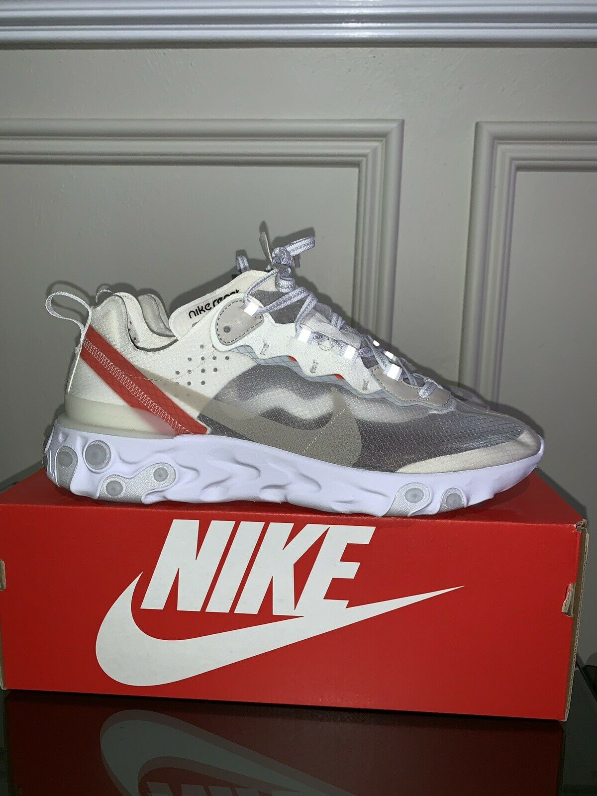 Nike react element 87 sail size 10.5 Used