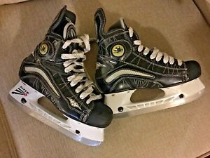 Mission-Pure-S-500-Carbon-Youth-Junior-Hockey-Ice-Skates-sz-5
