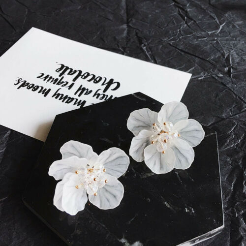 1 Pair Women Petals Acrylic Crystal Camellia Flower Styles Stud Earrings Jewelry