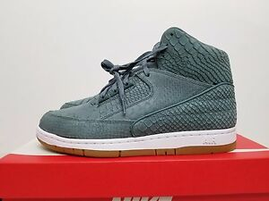 Nike Air Python Premium Size 8 (Offer)