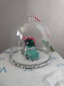 Glass-Ornament-Blue-Car-with-Christmas-Tree