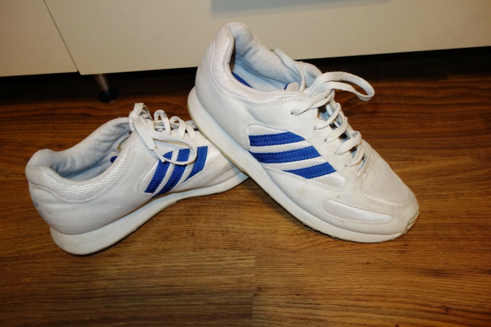 VINTAGE VERY RARE '90 ADIDAS STREET PL  , SIZE 6, VERY GOOD CONDITION