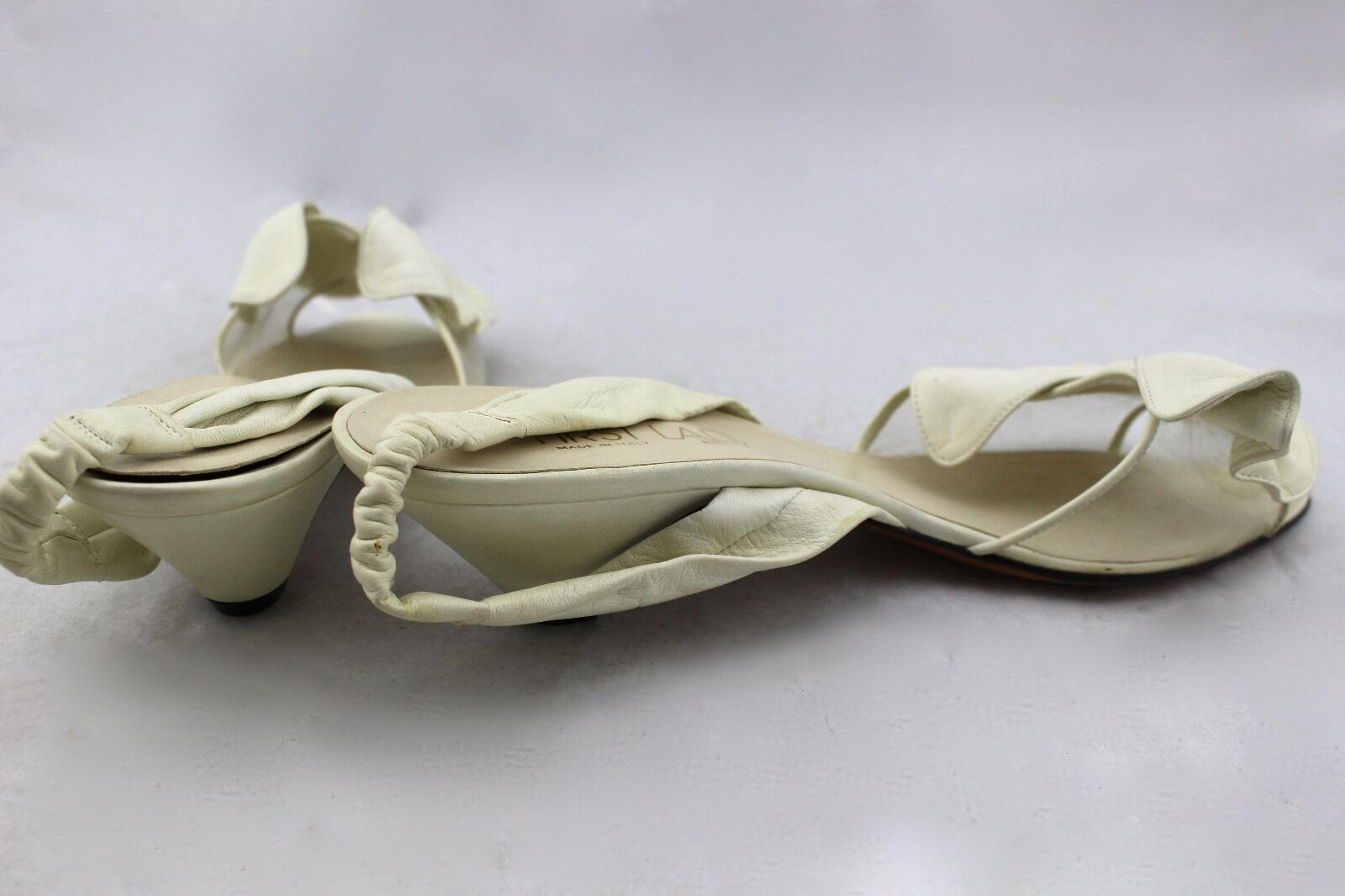 FIRST LADY BOOTERY Vintage Ivory White Pelle Italy Clear Bow Slingbacks Heels Italy Pelle d64d37