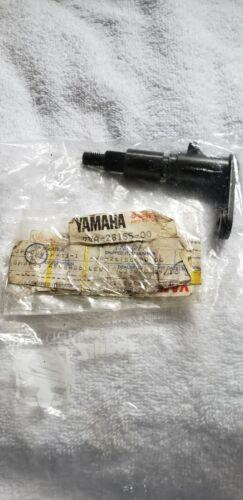 YamahaOEM 2VA-26155-00-00 SHAFT REVERSE LEVER