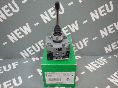 SCHNEIDER XD2GA8221 XD2 GA8221 JOYSTICK CONTROLLER    NEW.NIB.NEU.NEUF