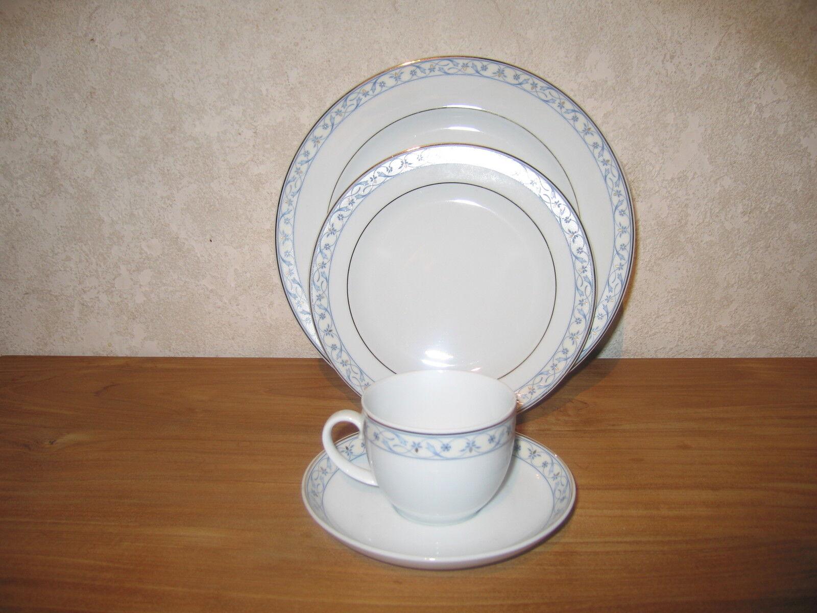 SELTMANN WEIDEN NEW RENAISSANCE BLEU Set 2 assiettes + 1 tasse Plates + cup