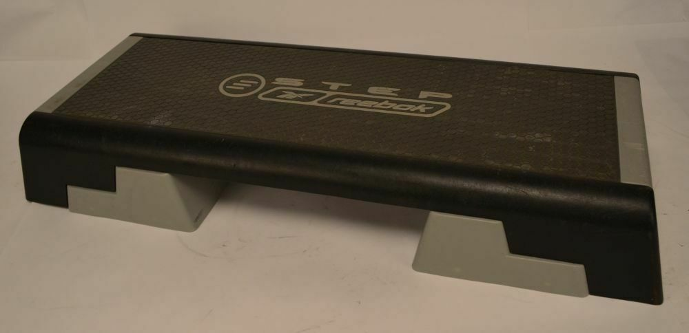 Reebok Adjustable STEP Aerobic Workout Exercise Stepper w  Risers