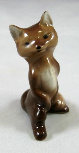 Hagen Renaker miniature made in America Fox Mama on hind legs