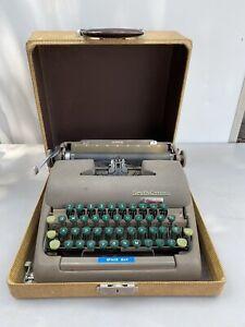 Vintage Smith Corona Clipper Typewriter w/ Case Floating Shift