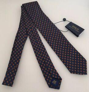 the latest a34cc 55d12 Dettagli su POLO RALPH LAUREN goccia di stampa 100 TEAR% Cravatta di seta  BLU SCURO MADE IN ITALY NUOVO CON ETICHETTA- mostra il titolo originale